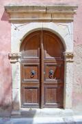 Porte dans les rues de Réthymnon